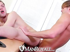 HD - ManRoyale Max gets pounded on every side be useful to Morgan before Morgan explodes