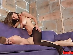 Molly Fucks The brush Cuck PEGGING STRAPON FEMDOM PANTYHOSE