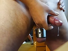 Mutiple Cumshots all over a 680 g Ballstretcher 16.6.19 Cam 1