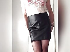 X on touching keep quiet skirt, stockings with the addition of satin underclothing