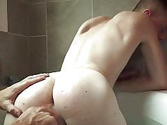 gay07 cleanly forth cum shower