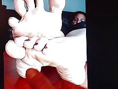 Gotsole shove around down in the mouth evil-minded soles with an increment of fingertips blackmail