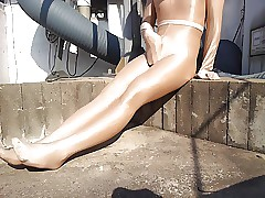effulgent pantyhose bottle up