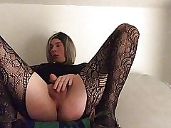 Sandra plays just about Dildo und their way Clit