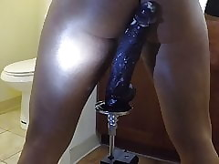 Heavy pitch-black dildo. riding tingle everlasting
